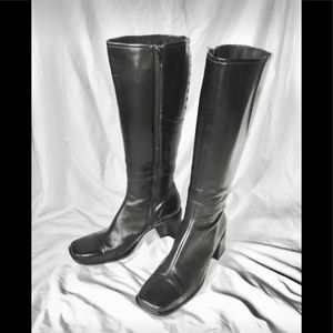 Clark's black leather boot